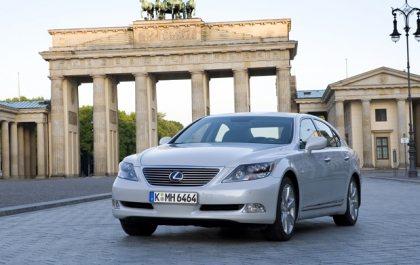 Motoring Review: Lexus LS600h L