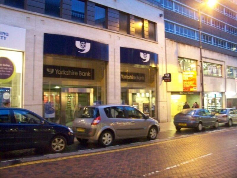 Yorkshire_Bank,_Albion_Street,_Leeds