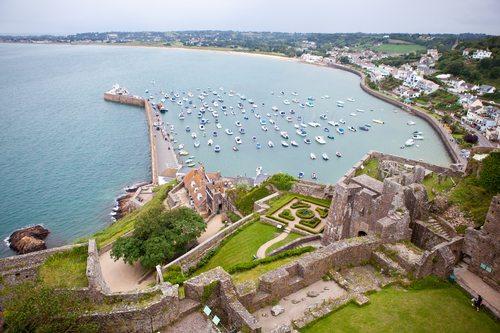 'Tax havens' hit back at G8 pressure
