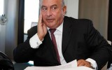 Sir Philip Green is threatening legal action against the chair of a parliamentary inquiry into the collapse of BHS