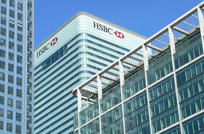 HSBC 'to stay in London' as board meets for final decision on HQ