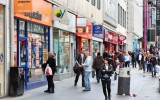 UK retail sales bounce back in April despite cold weather
