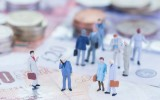 Government & local authorities should increase spend with SME's