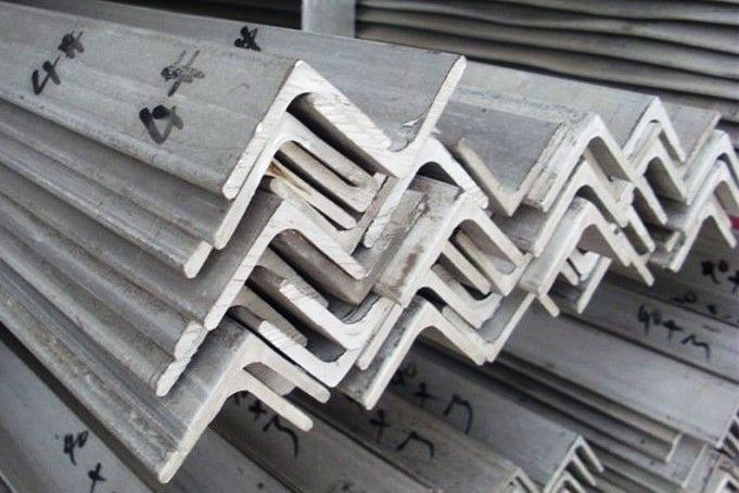 Stainless-Steel-Angle-Bar-Manufacturers-Suppliers-Exporters-Dealers-India-Bangalore-Saudi-Arabia-Kuwait-Oman