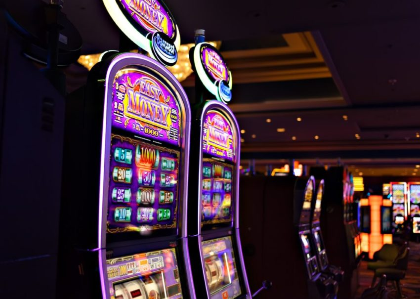 How To Make Money With The Online Casino And Which Game Is Best To