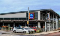 Aldi staff pay rise