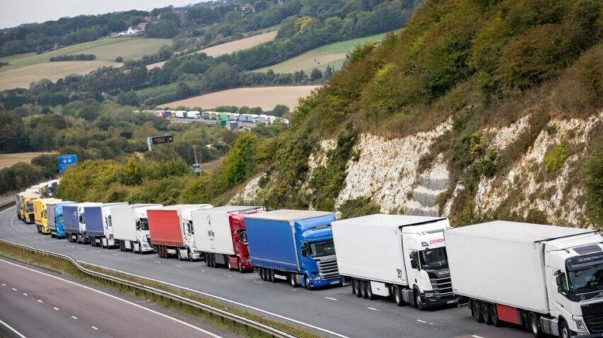 Queing lorries