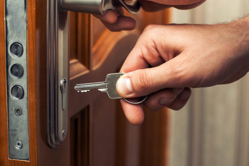 Office door handles Sliding Hyh How To Clean Your Door Locks The Right Way