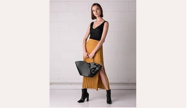 Altari, new London-based handbag brand, is on a mission to save ancient craftsmanship. The designs merge leather mosaics, hand-stitched with a technique dating back over 1000 years, and modern shapes to create distinctive, chic and feminine handbags.